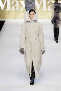 MAXMARA 2010 - 2011 collection Milan RTW