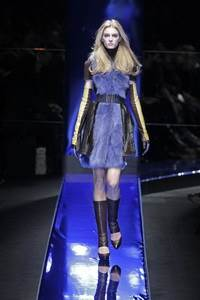 Versace 2010 - 2011 collection Milan RTW