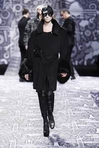 Viktor n Rolf - Paris RTW - 2010/2011 collection