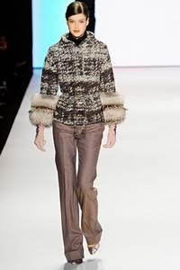 Carolina Herrera - коллекция сезона осень/зима 2011-2012; мех - песец