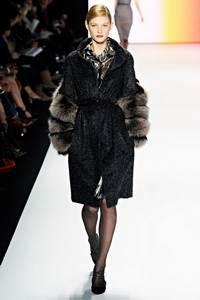 Carolina Herrera - коллекция сезона осень/зима 2011-2012; мех - чернобурка