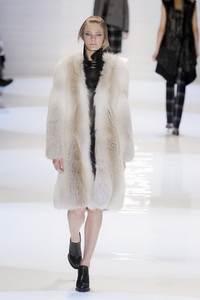 Derek Lam - коллекция сезона осень/зима 2011-2012; мех - лиса