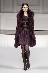 Oscar de la Renta - коллекция сезона осень/зима 2011-2012; мех - лисица и каракуль