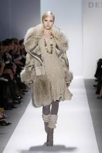 Dennis Basso - коллекция сезона осень/зима 2011-2012; мех - енот, норка, каракульча