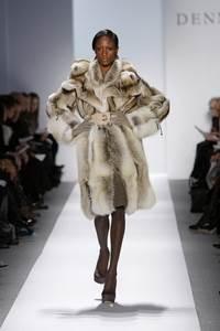 Dennis Basso - коллекция сезона осень/зима 2011-2012; мех - лисица и ондатра