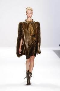 Luca Luca - коллекция сезона осень/зима 2011-2012; мех - чернобурка крашенная