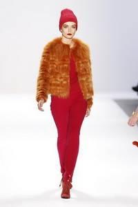 Luca Luca - коллекция сезона осень/зима 2011-2012; мех - лисица