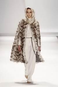 Carlos Miele - коллекция сезона осень/зима 2011-2012; мех - лисица