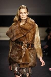 Alessandro Dell'Acqua - Weaseland wild-type mink wrap coat