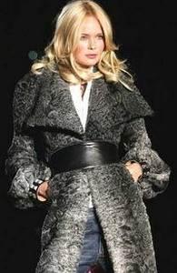 Пальто из меха свакара.