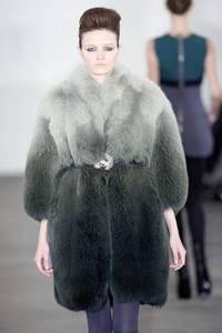 Модные направления зимы 2009/2010. Модельер Behnaz Sarafpour
