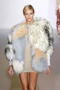 Модные направления зимы 2009/2010. Модельер Preen
