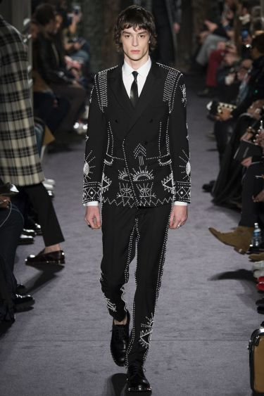 Paris Fashion Week Valentino menswear осень-зима 2016 2017 8