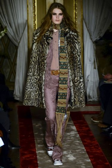 Milan Fashion Week:  Roberto Cavalli осень-зима 2016/2017