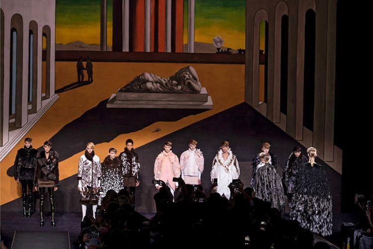 История модного Дома Fendi обогатилась первым кутюрным показом - 4