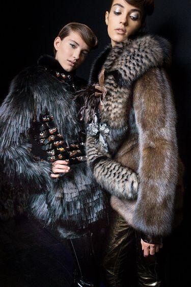 История модного Дома Fendi обогатилась первым кутюрным показом - 5